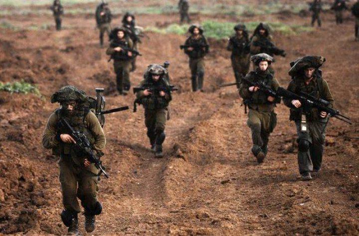 الاحتلال يجري مناورات عسكرية في غلاف غزة