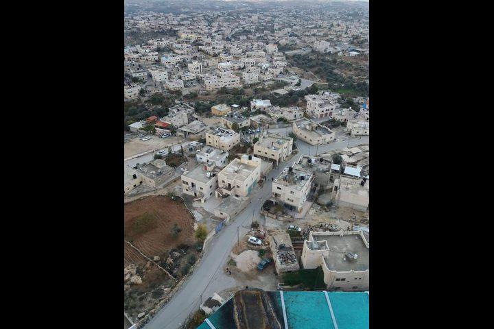 يطا: الدفاع المدني يحذر الاهالي من خطورة مئذنة مسجد
