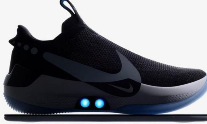 حذاء ذكي من نايكي يضبط نفسه بنفسه وتتحكم به من خلال هاتفك