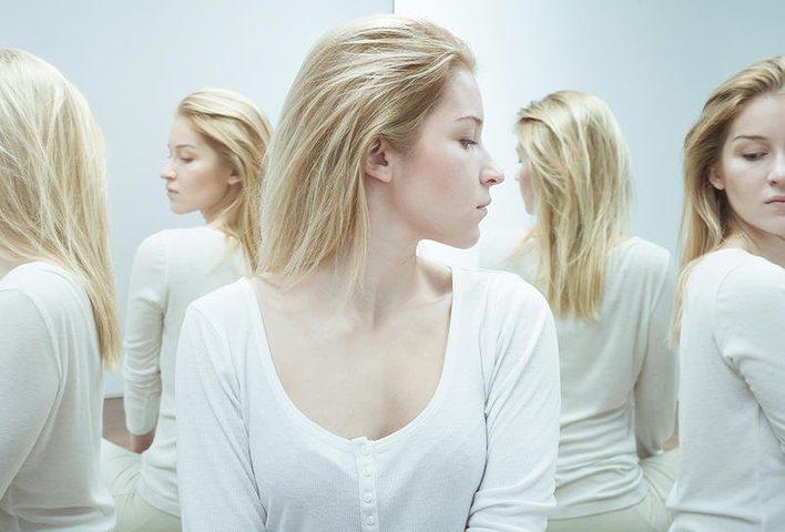 الشباب والشيزوفرينيا.. الأعراض وطرق العلاج