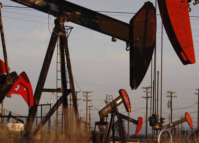 مع ارتفاع إنتاج الخام الأميركي تراجع اسعار النفط