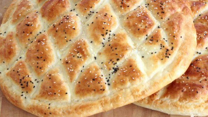 طريقة عمل الخبز التركي بالسمسم وحبة البركة