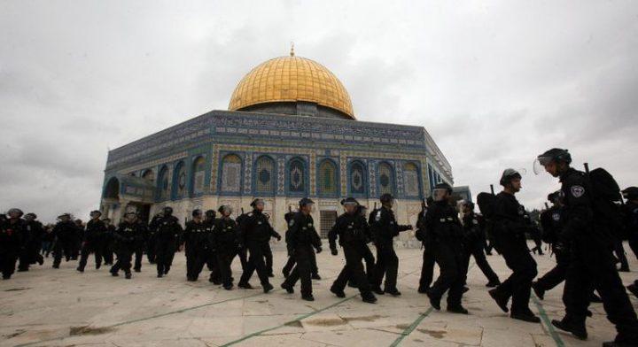 قوات الاحتلال ووحدات خاصة تقتحم الأقصى