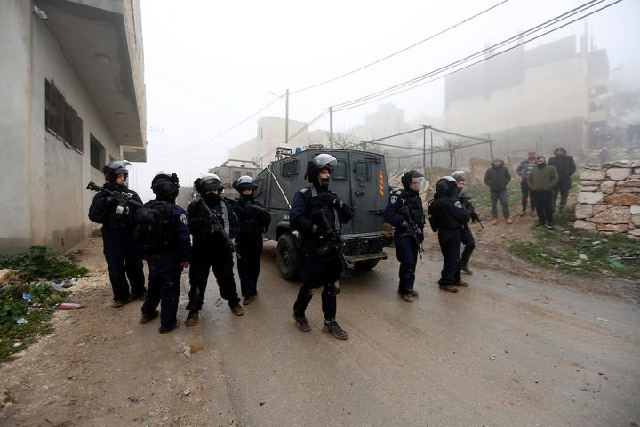 الاحتلال يفجر منزل عائلة الأسير جبارين في بلدة يطا بالخليل