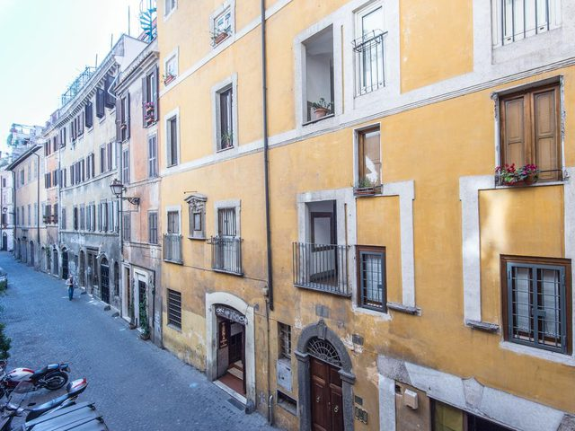 """ايطاليا.. اشتر شقة بسعر أقل من سعر """"فنجان قهوة""""!"""