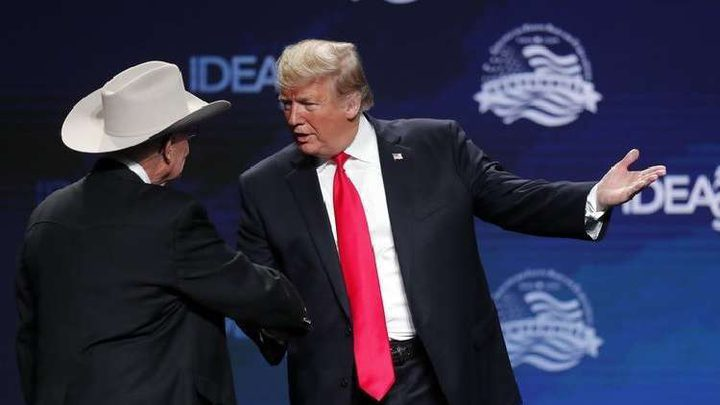 لماذا يلبس ترامب ربطات عنق طويلة جدا؟