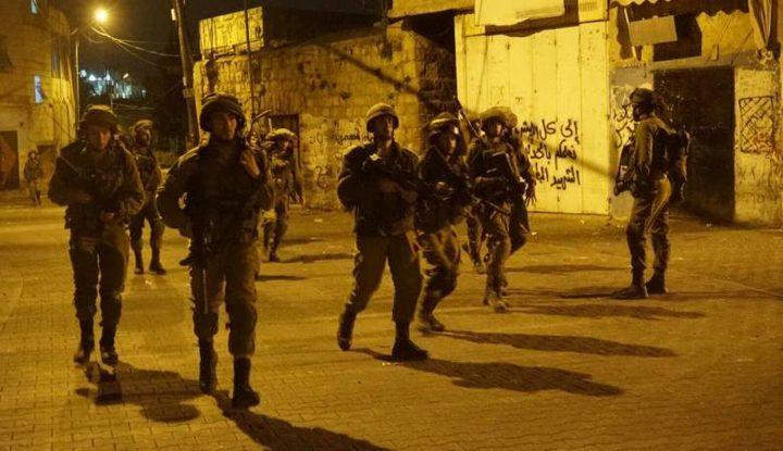 الاحتلال يداهم مناطق واسعة بالضفة الغربية