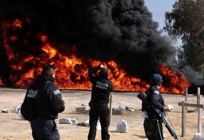 مقتل وإصابة العشرات في انفجار خط أنابيب بوسط المكسيك