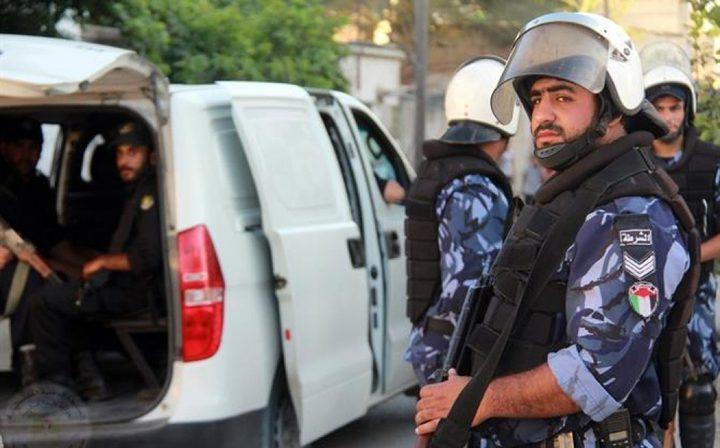 الشرطة والنيابة العامة تحققان بظروف وفاة مواطن في بلدة طمون