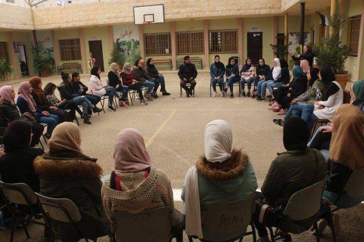 طوباس: إطلاق المدرسة الشتوية الأولى للقراءة والإعلام