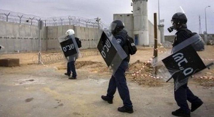 """أبو بكر: حالة غليان في """"عوفر"""" وقد نشهد تصعيداً داخل السجون"""