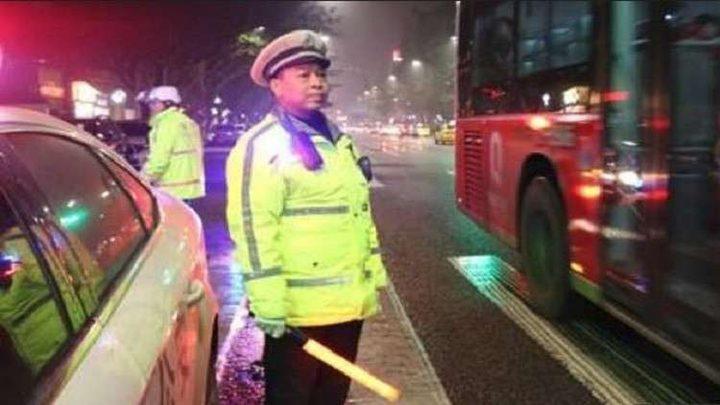 وفاة ضابط شرطة مرور عمل 24 ساعة متواصلة!