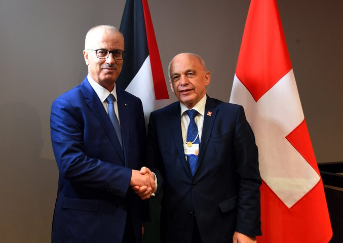 الحمد الله يدعو الرئيس السويسري لدعم مبادرة الرئيس للسلام