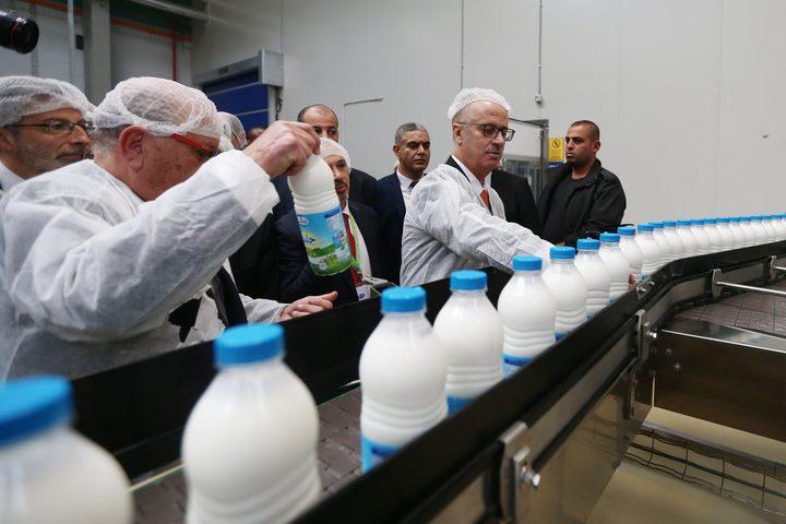 الحمدالله خلال افتتاح شركة الطيف لمنتجات الالبان، اليوم السبت، في كفر زيباد