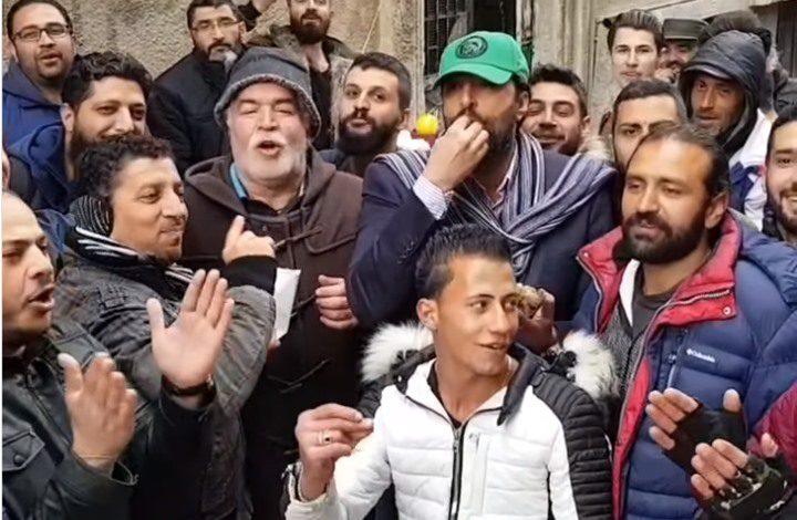 """باسم ياخور و""""أبو غالب"""" على طوابير الغاز في سوريا"""