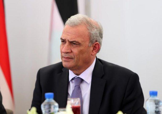 أبو عمرو ينفي إدلاءه بأية تصريحات حول الموظفين في غزة