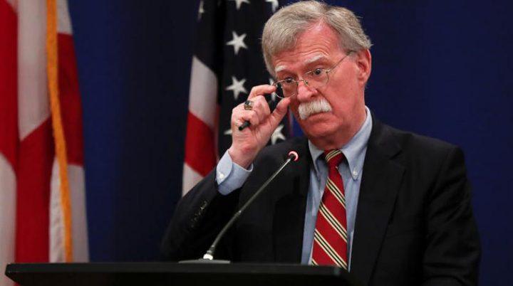 هل فضح مستشار ترامب خططا عسكرية أمريكية في فنزويلا بالخطأ ؟