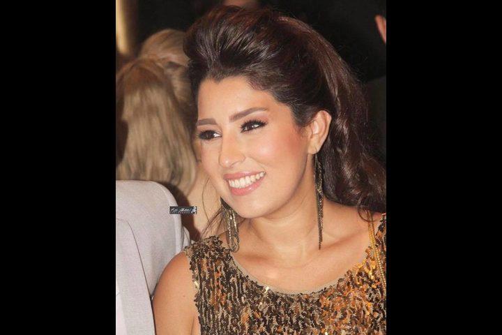 """آيتن عامر تسخر من شباب مصر بعد تدشينهم حملة """"خليها تعنس"""