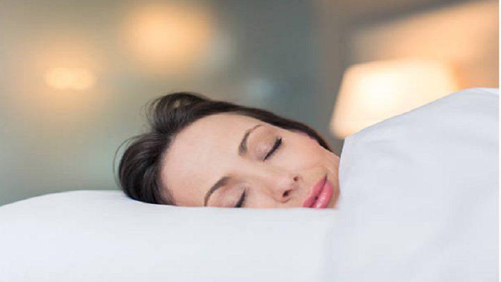 أغرب اضطرابات النوم.. المرأة التي تغفو كلما ضحكت!