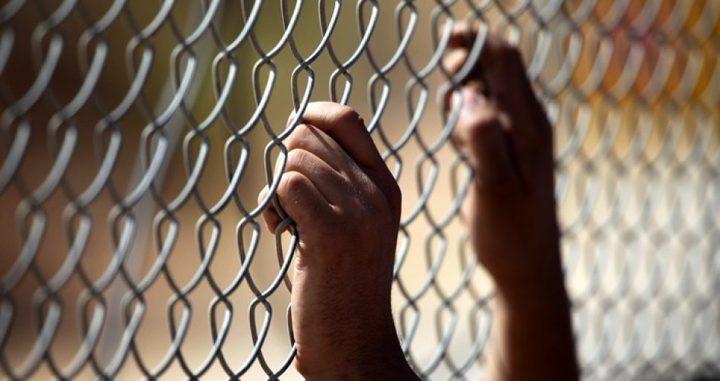 محكمة الاحتلال توقف تنفيذ الإفراج عن الأسير محمد البرغوثي