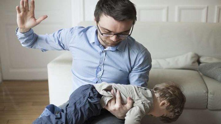 تعنيف الأطفال يدفعهم إلى العدوانية والأفكار الانتحارية