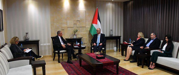 الحمد الله يلتقي ممثل الاتحاد الأوروبي لدى فلسطين