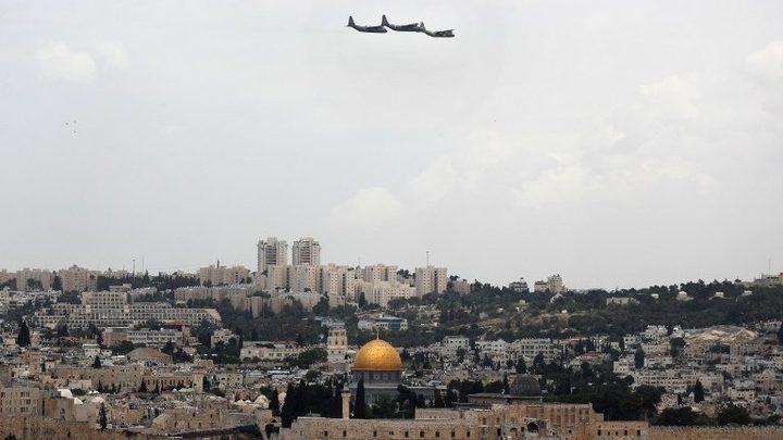 الاحتلال يطلق ثلاث طائرات شراعية فوق المسجد الاقصى