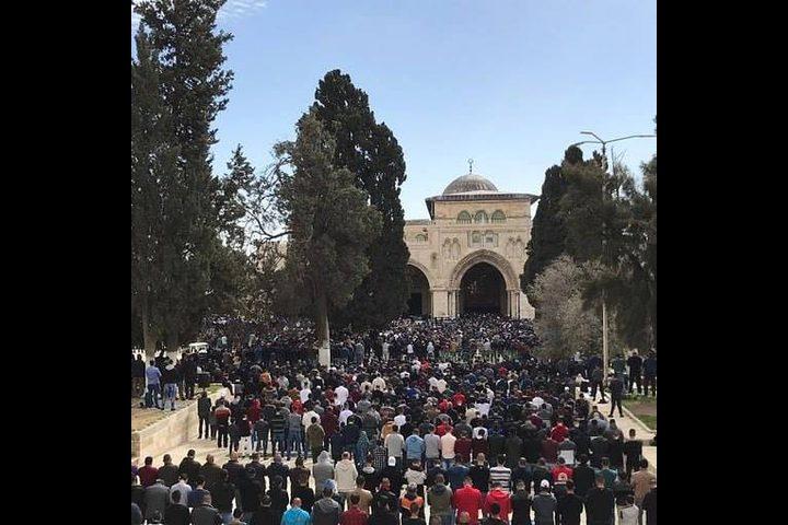 50 ألف مواطن أدوا صلاة الجمعة في المسجد الأقصى المبارك