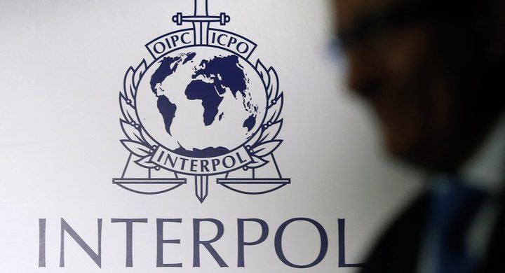 الانتربول العربي يصدر مذكرة القاء القبض على متهمين