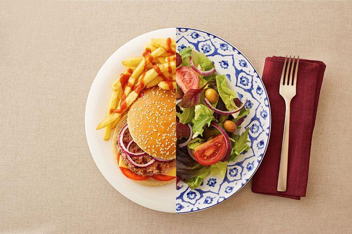 10 أطعمة تربك جهازك الهضمي.. حاول الابتعاد عنها