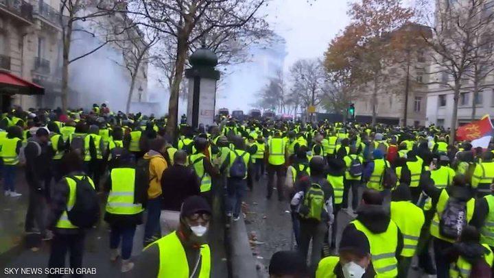 """""""السترات الصفراء"""" تعود لاجتياح باريس"""