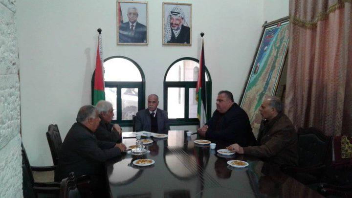 محافظو غزة يبحثون معاناة القطاع