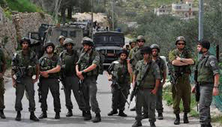 الاحتلال ينصب أهدافا للتدريبات العسكرية في الأغوار الشمالية