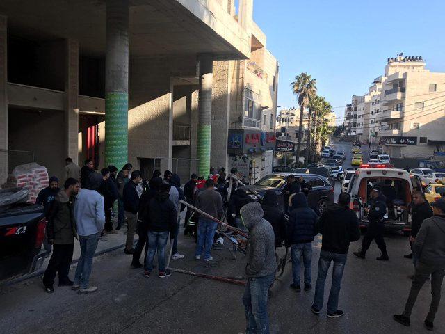 مصرع مواطن وإصابة آخر إثر سقوط رافعه