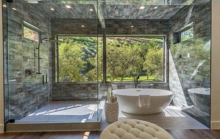 تزيين الحمامات على طراز منازل المشاهير (صور)
