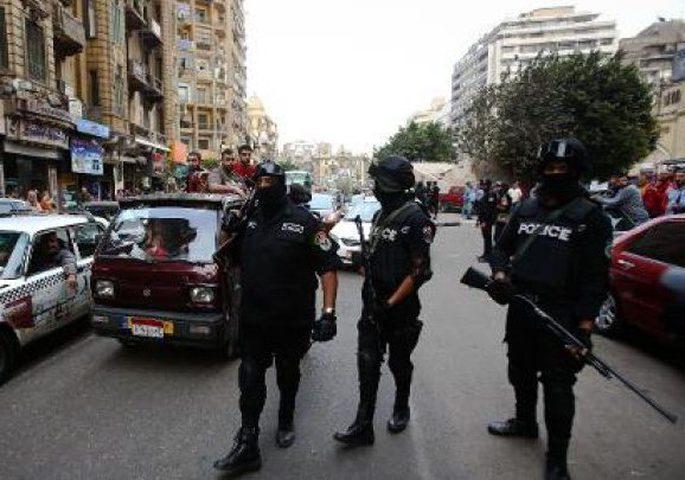 إصابات بين عناصر الشرطة في هجوم على حاجز أمني في مصر