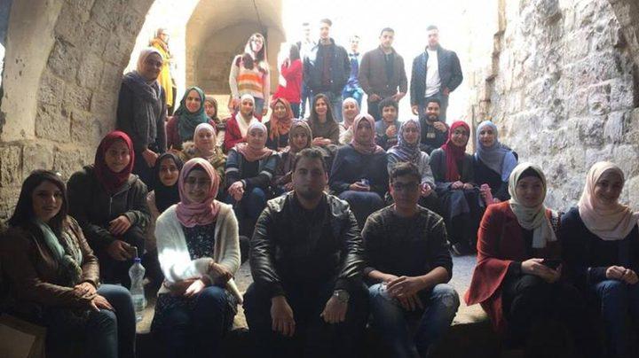مركز الموارد التعليمية للغات ينظّم جولة للبلدة القديمة