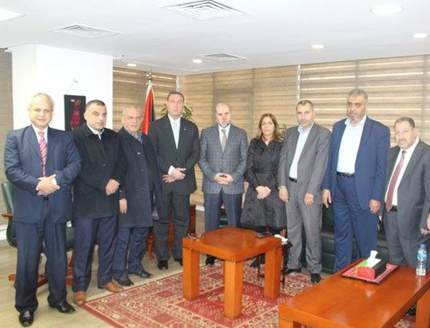 اجتماع بالقاهرة لبحث ترتيبات سفر معتمري المحافظات الجنوبية