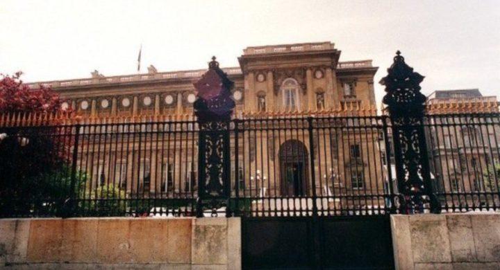 فرنسا تستدعي سفيرها في إيطاليا للتشاور