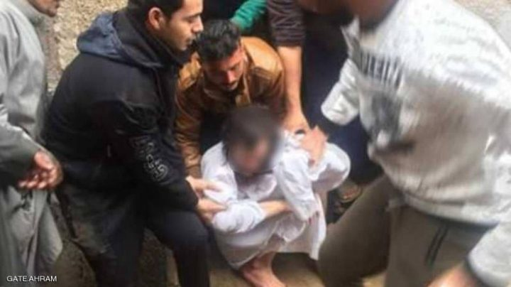 """احتجزته والدته 10 سنوات.. قصة """"مخيفة"""" لشاب مصري"""