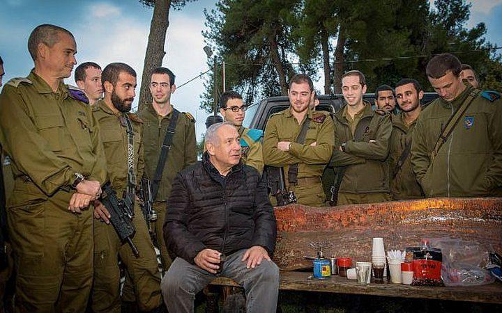مدعي الاحتلال العام يمنع نتنياهو من نشر صوره مع القوات