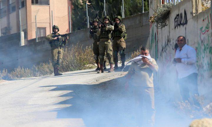 إصابات بالاختناق جرّاء هجوم المستوطنين على مدرسة عوريف