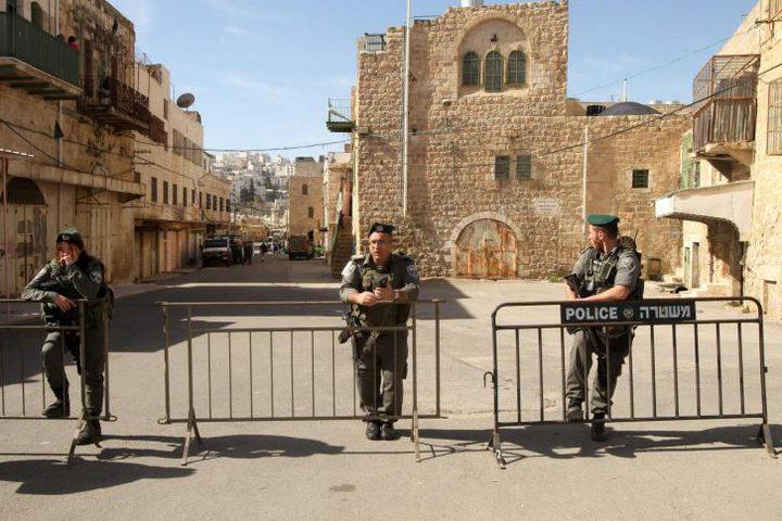 الاحتلال يعتقل فتى قرب الإبراهيمي