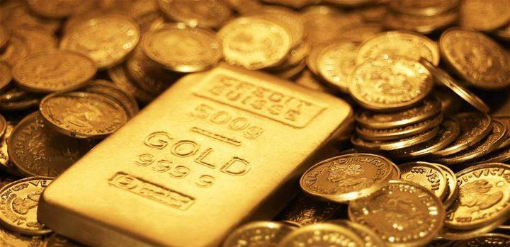 الذهب يهبط تزامنا مع ارتفاع الدولار  بسبب التوترات التجارة