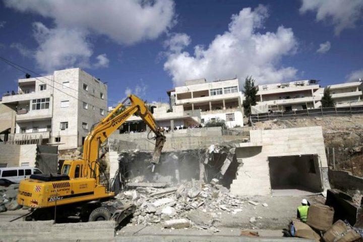 الاحتلال يهدم 3 منازل ومخزن بالقدس المحتلة