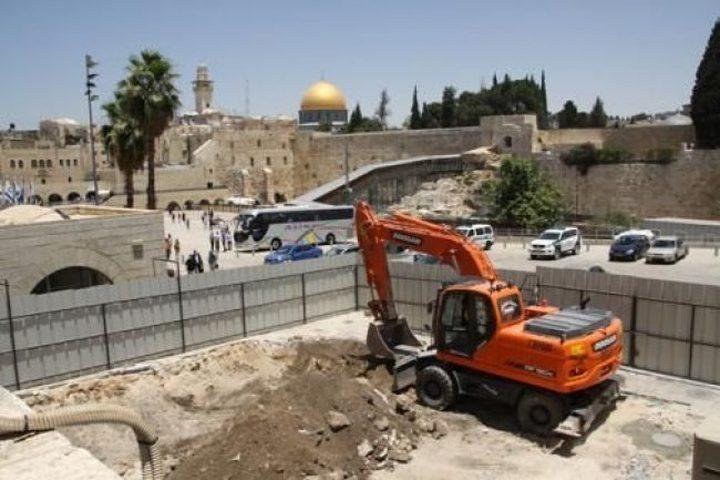 مختصون وباحثون: الحفريات في الأقصى وصلت لنقطة خطيرة