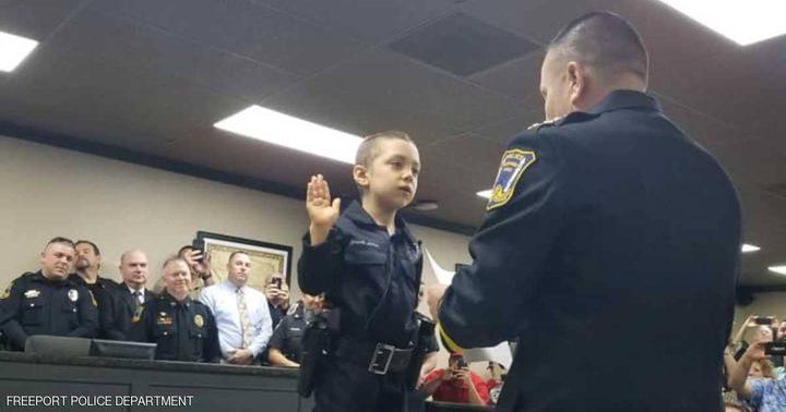 أصغر ضابطة شرطة بالعالم.. !!