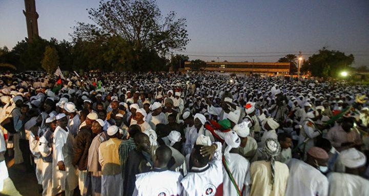 احتجاجات ليلية في أربع ولايات سودانية