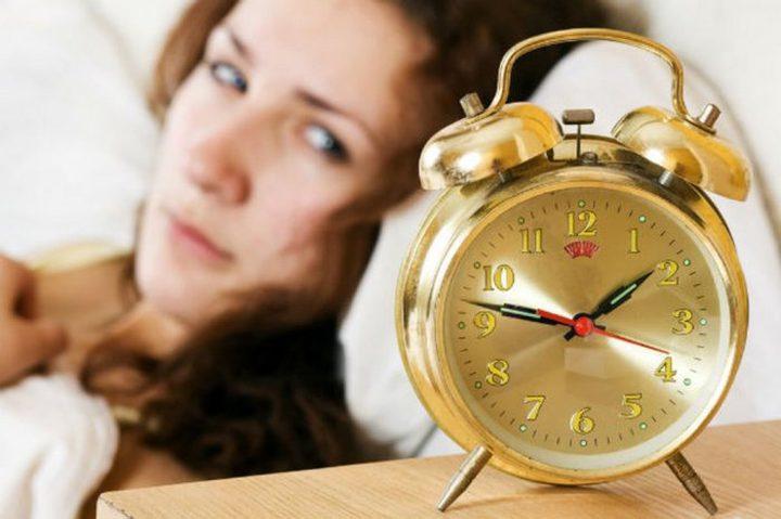 هل أنت ممن ينامون متأخرا؟ انتبه فإشارات دماغك أقل وأبطأ