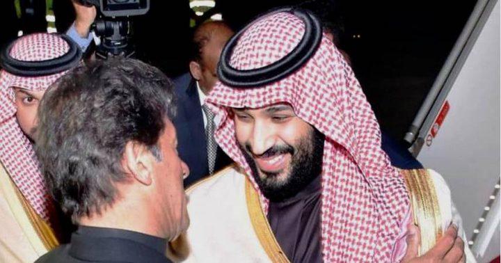 إجراءات أمنية مشددة.. بن سلمان يصل إلى باكستان